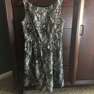 Black and white floral dress. Size 10P. Worn once